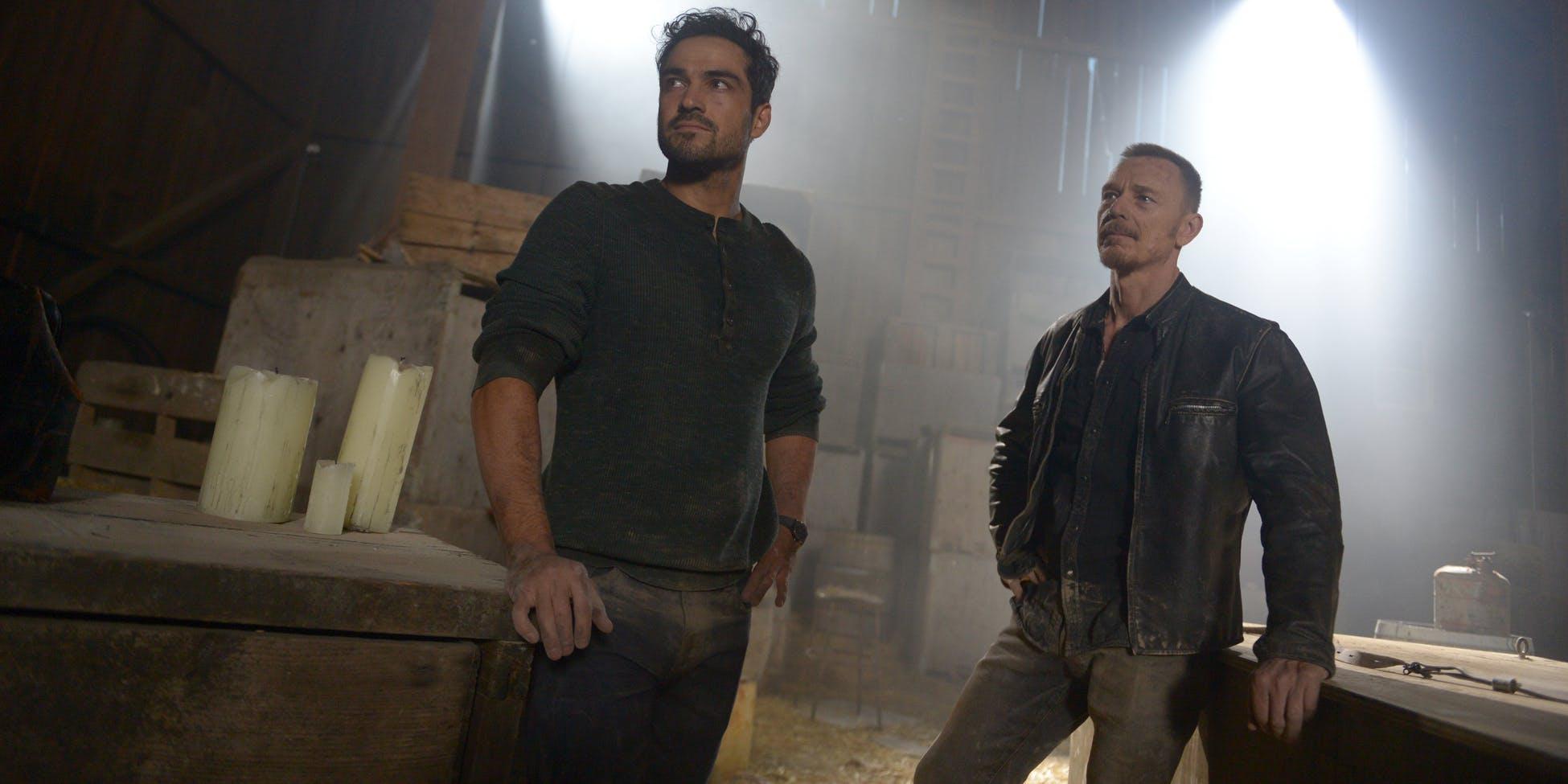 The Exorcist Saison 2 Alfonso Herrera Ben Daniels